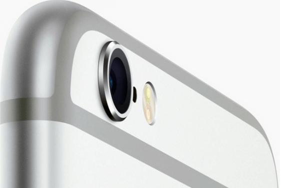 iphone6s カメラ部分は出っ張っている
